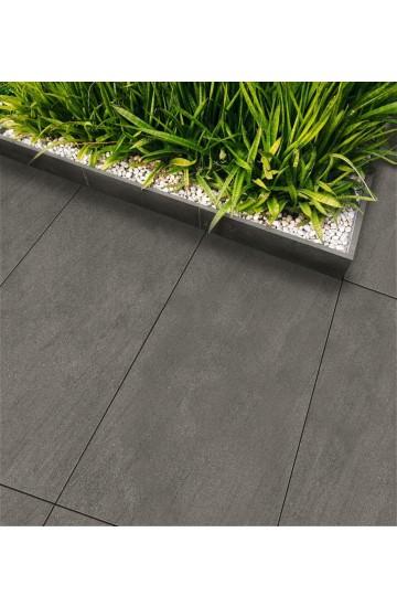 Pavimento per esterno spesso effetto Basaltina in Gres Porcellanato 45x90 - EnergieKer TH2.0 Basaltina Piombo