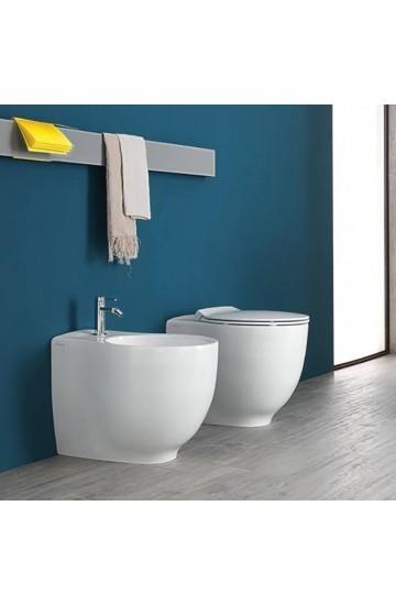Sanitari filo muro vaso wc traslato + bidet con sedile copriwc soft close sgancio rapido Hatria Le Fiabe