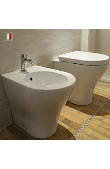 Sanitari filomuro FLAMINIA MENO: wc + bidet con coprivaso avvolgente
