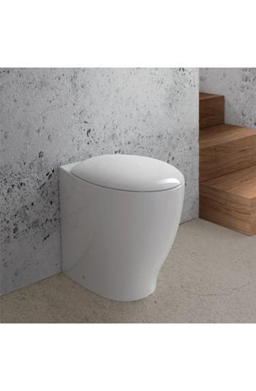 Vaso filomuro in ceramica bianco con copri wc soft close avvolgente Mascalzone Domus Falerii